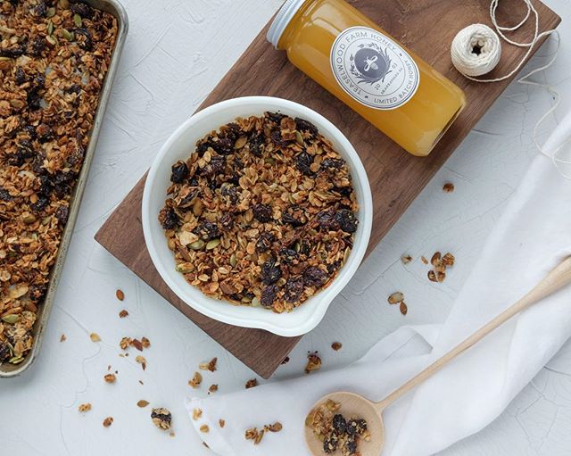 Cherry coconut granola for breakfast today! Recipe link is in our bio.