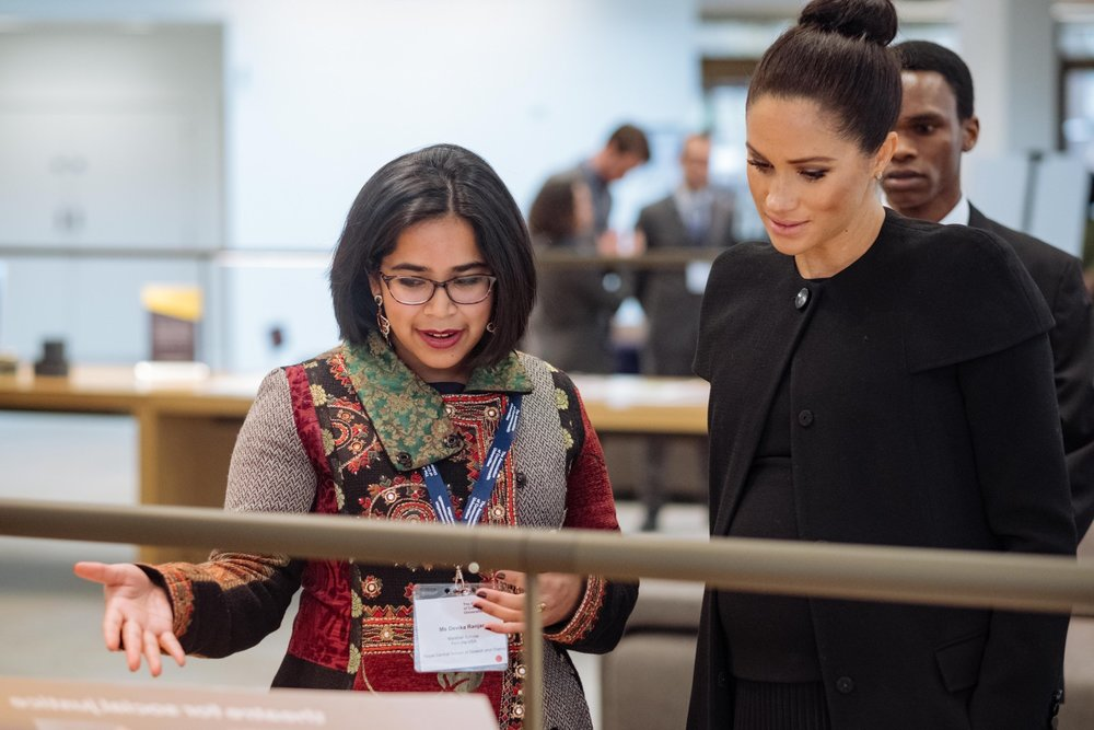 With HRH Meghan Markle, explaining my work with asylum-seekers, refugees, and migrants.