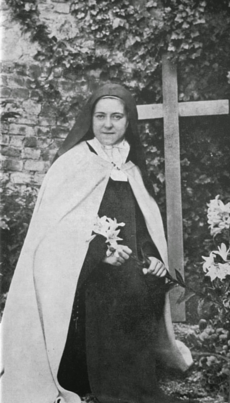 Saint-Therese-of-Lisieux-1896 (1).jpg