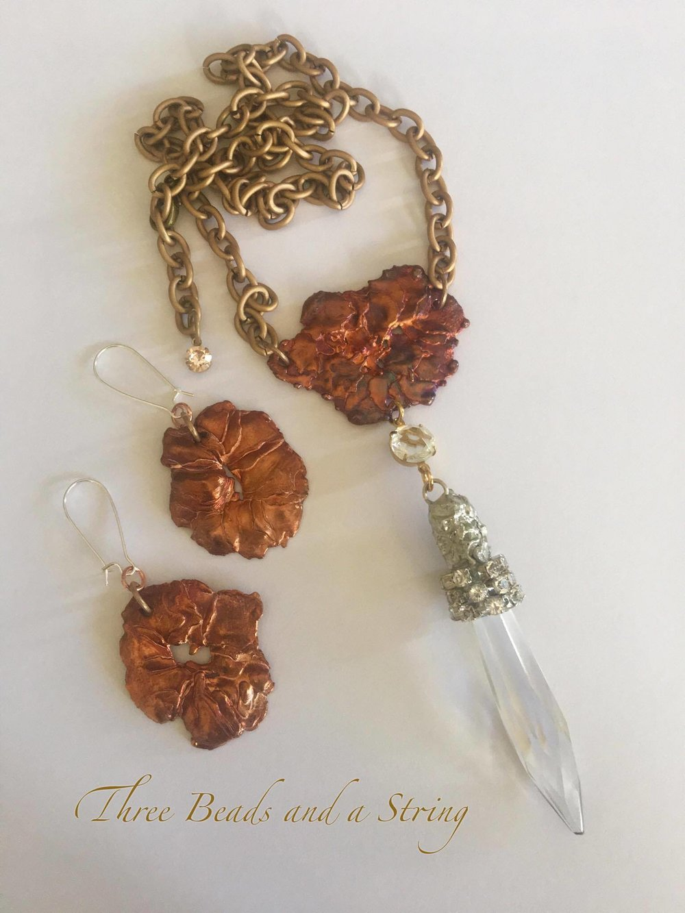 Isn't this lovely?  Patti from   Three Beads and a String   made this from the copper splash she purchased from us.