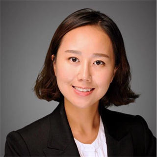 Ina Yun - MBA Class of 2018. Specializations in Strategy and Finance. Prior to Stern, Ina worked in corporate banking at Citibank in Seoul, South Korea, where she is originally from. Ina graduated from Cornell University with B.A in Economics and Anthropology.