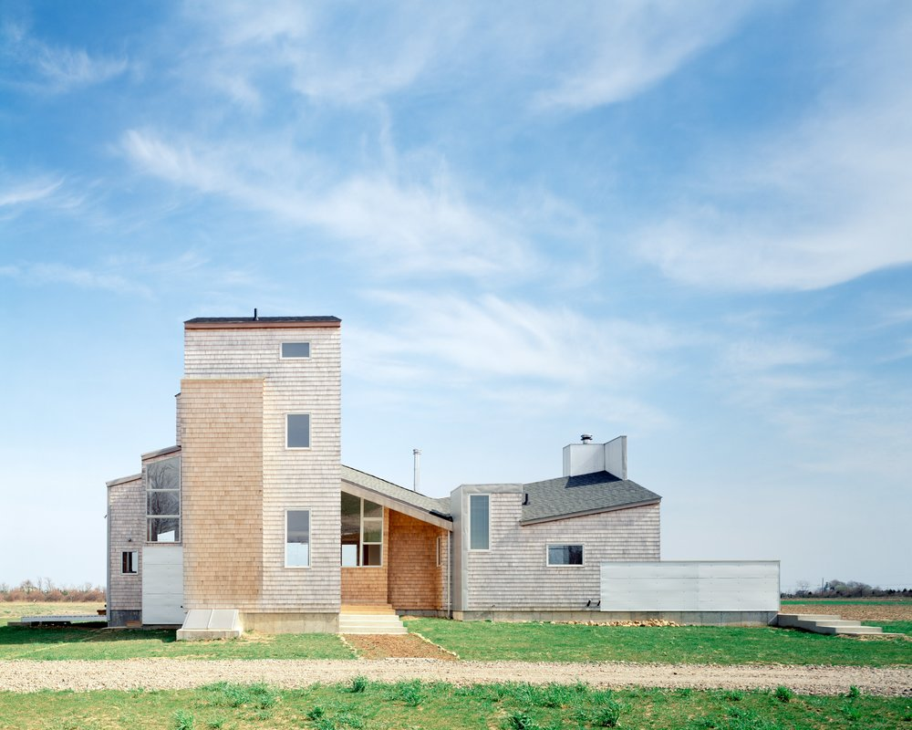 3_ariizumi_berry_project_house_on_north_fork_set1.jpg