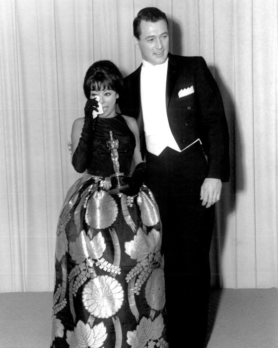 Rita Moreno in 1962 Oscars.jpg