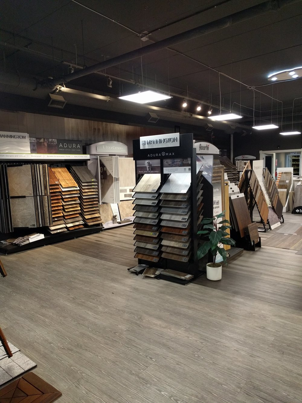 HARDWOOD & ENGINEERED WOOD     Touchtone Canada  offers many major brands of both Hardwood and Engineered Wood in all colors and sizes. We are able to assess which wood will be best for your needs based on your criteria.