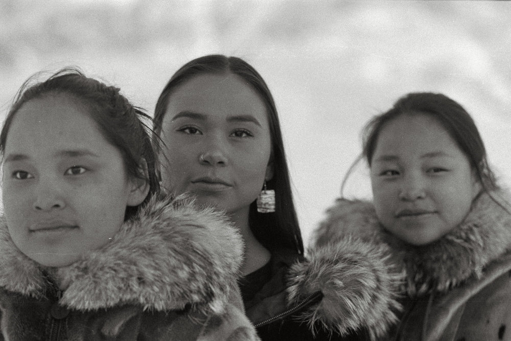 Location : Uummannaq, 70° 40′ 39″N, 52° 07′ 19″O, Greenland - Time : 10pm - Body : Canon Eos 1n - Lens : Canon 70-200mm f2.8 - Film : Ilford 400