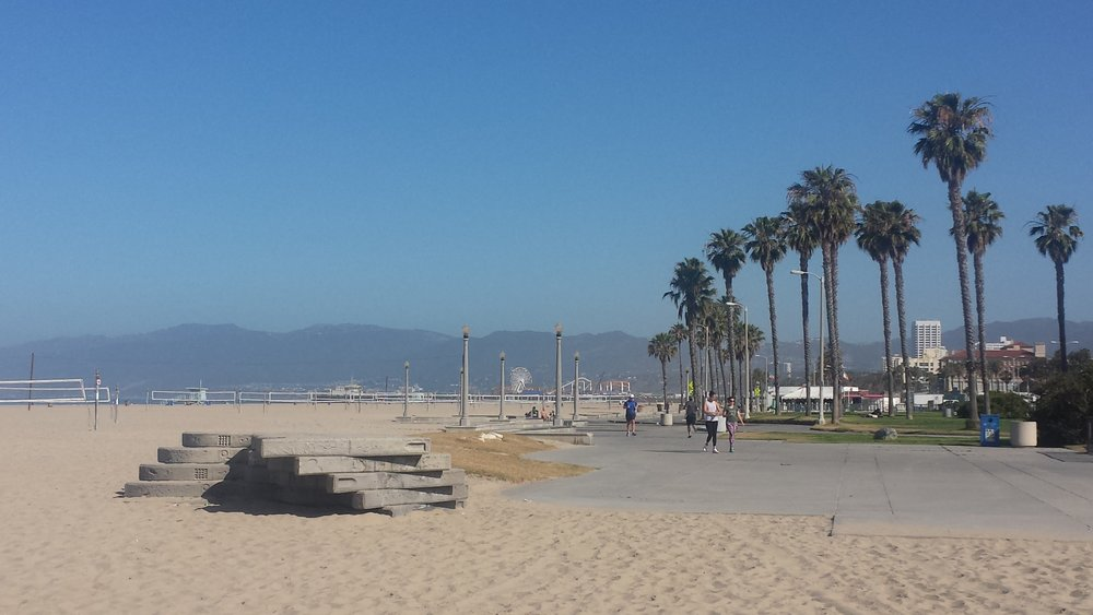 California hotels | Hotel deals | Beachfront hotels | Beach vacation | Santa Monica | California vacation | Pacific coast | Budget hotels