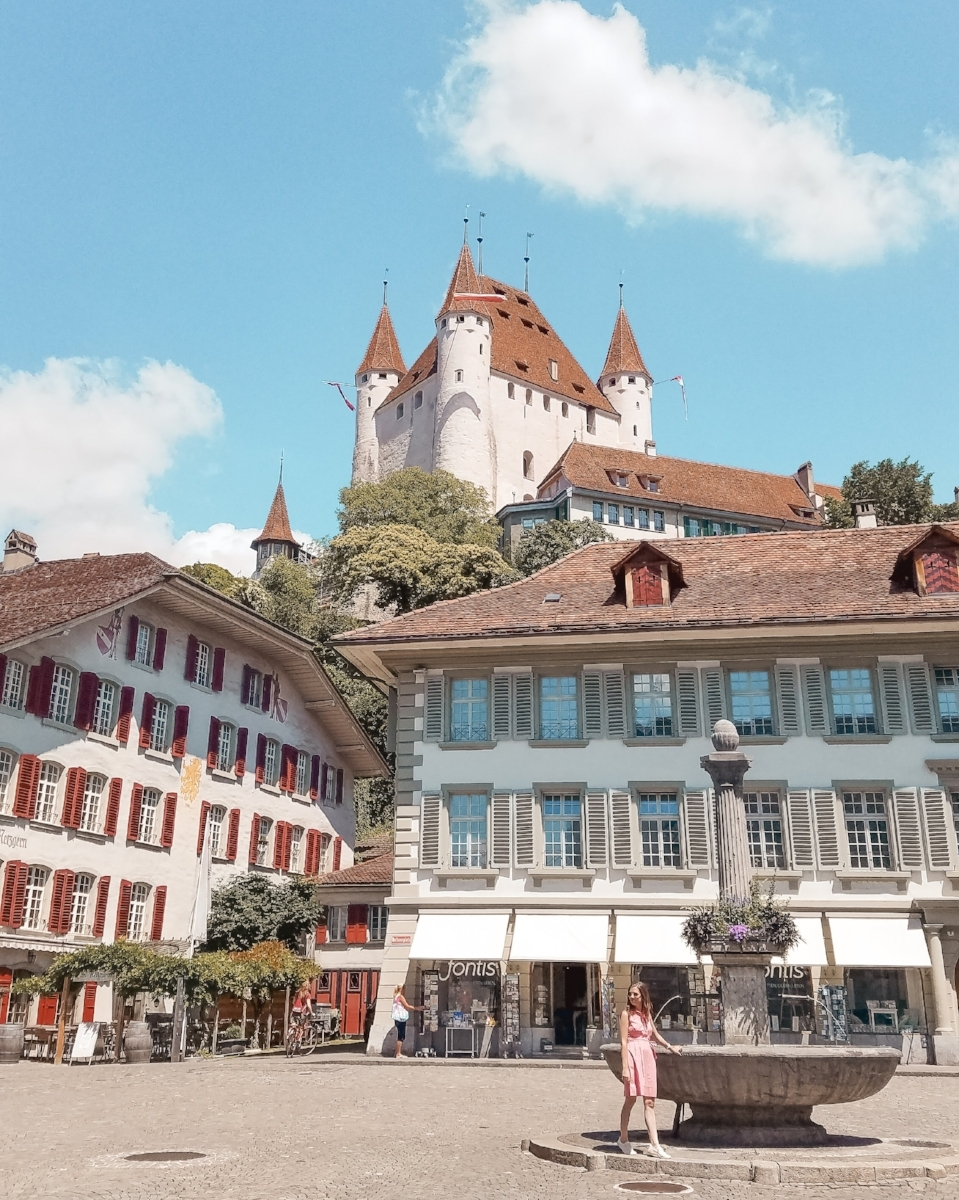 These historic Swiss castles will bring out your inner princess with their scenic lake and mountain backdrops and gorgeous designs. #Switzerland #Castles #Travel #Wanderlust #Bucketlist #Vacation #Europe #Fairytales