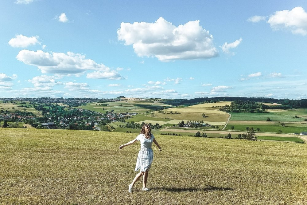 How do I travel to places like Hawaii, Germany and Iceland without going totally broke?Find inspiration on how to cut back from these 21 things I don't spend my money on to afford more travel instead. #Germany #Travel #travelbudget #Traveltips #Wanderlust #Traveltheworld #Travelblog #Traveladvice #Budgettravel #travelblogger #wanderlusttravel #castles