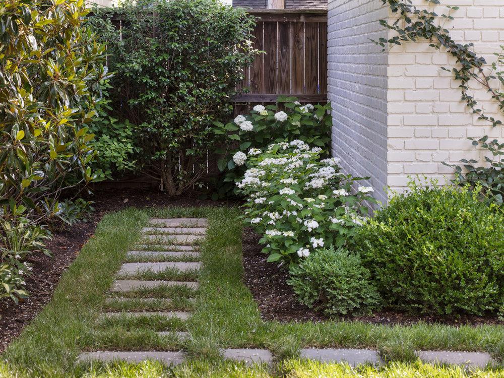 Marcia Fryer Landscape Designs | New West End Backyard | Hardscape Patio | 15.jpeg