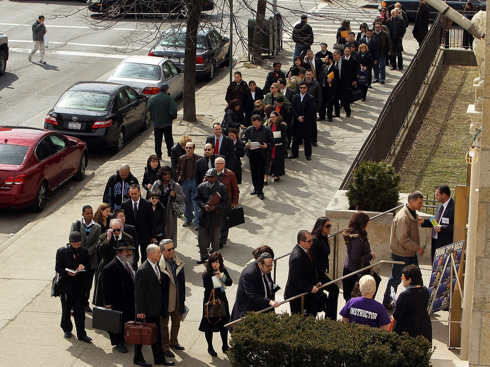 Brooklyn residents in line for a job fair in 2010 ( Image )