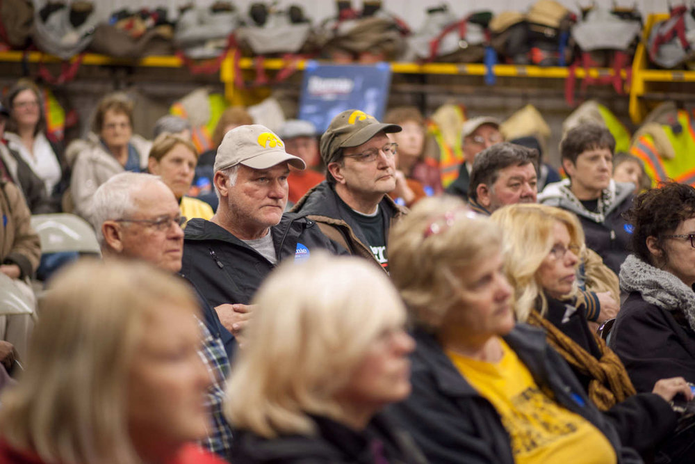 Attendees at the 2016 Iowa caucus ( Image )