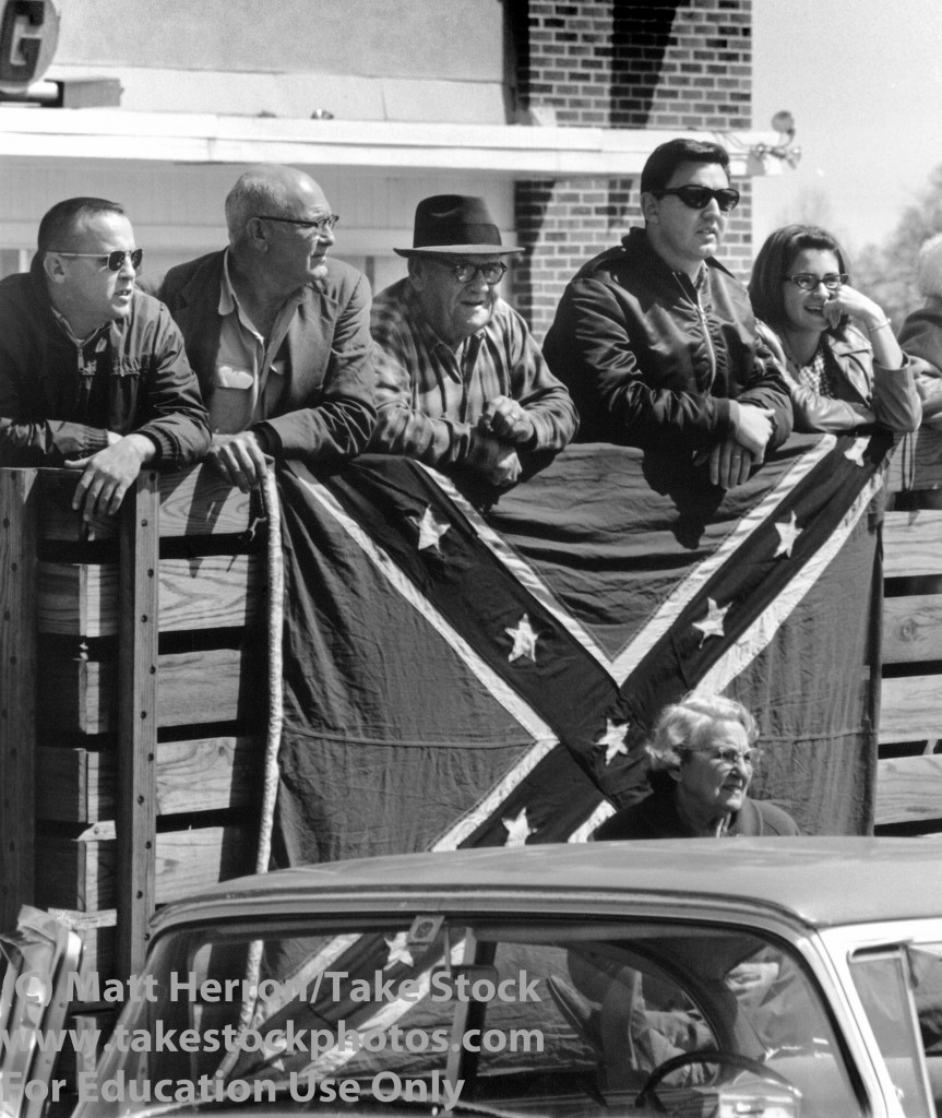 selma-flags-white-spectators-863x1024.jpg