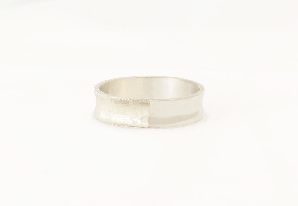 Christine Vasan | Special Concave Ring in White Gold
