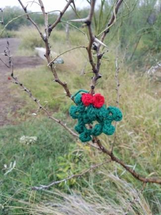 mistletoe yarnbomb.jpg