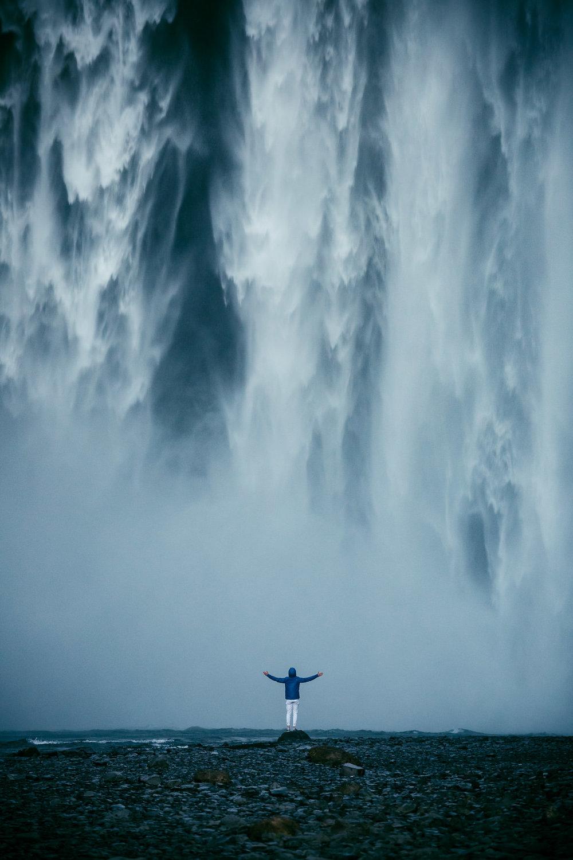 2016.07.03_Iceland_D2.5_Skogafoss_White_Portraits_Plane-8257.jpg