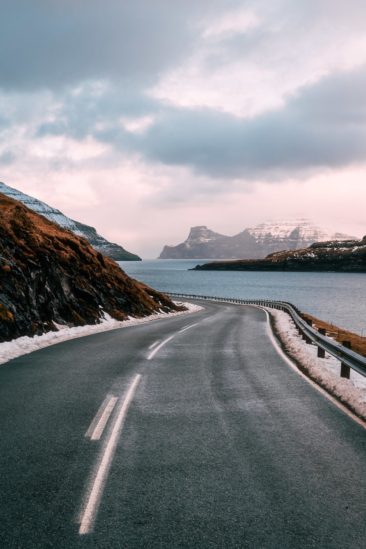 2019.02.06_Faroe_Coast_Eysturoy_Hike_A7III-8780-Edit.jpg