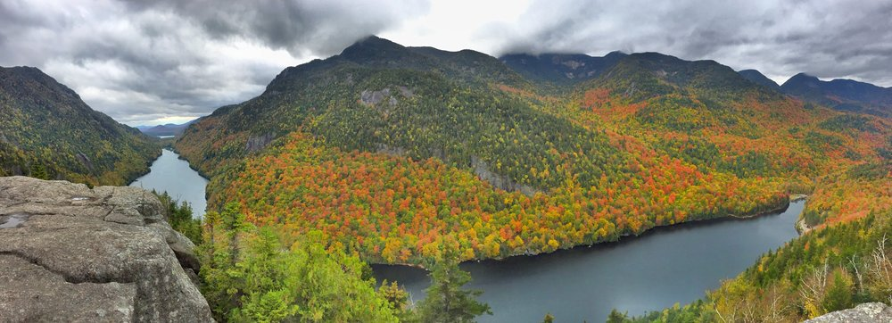 A full panorama of the Indian Head overlook looking out to the right. You can see how the lake wraps around.