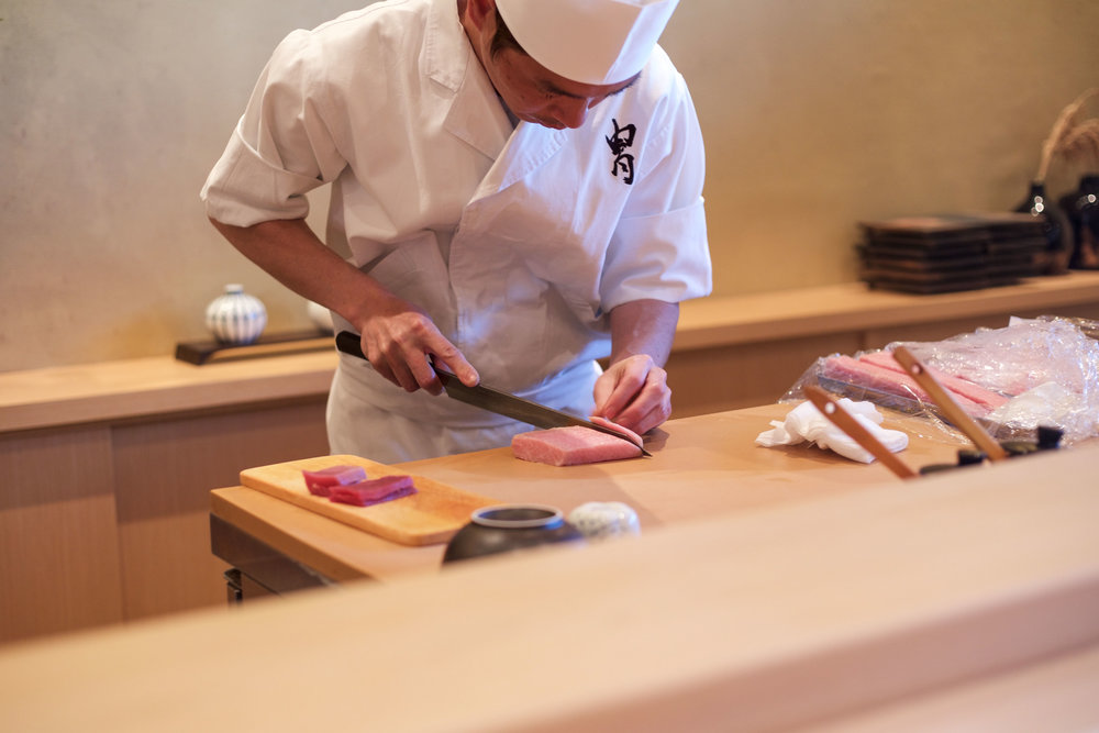 3-itamae-slicing-toro.jpg