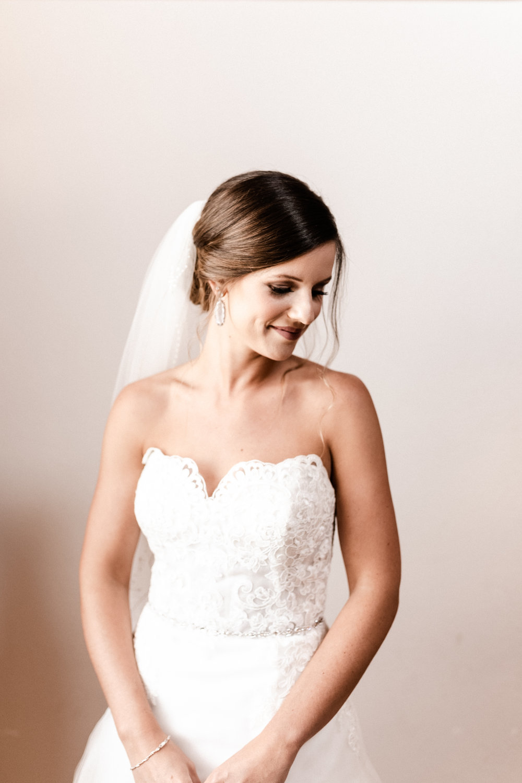 Mantle Wedding KHP80109.jpg
