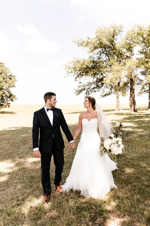 Mantle Wedding KHP80281.jpg