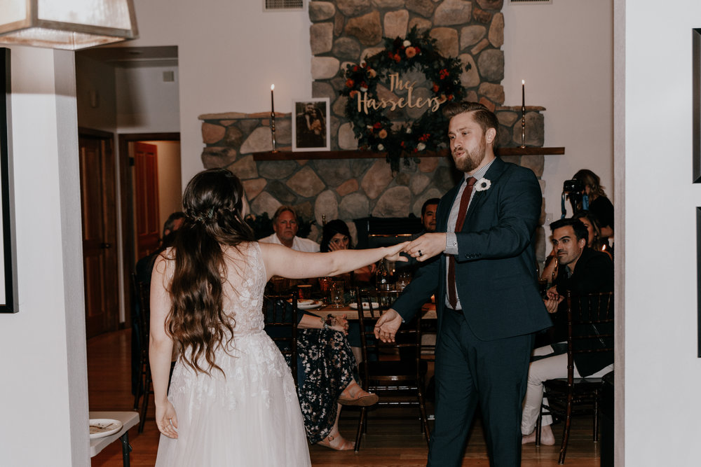 First dance | Cabin vibes