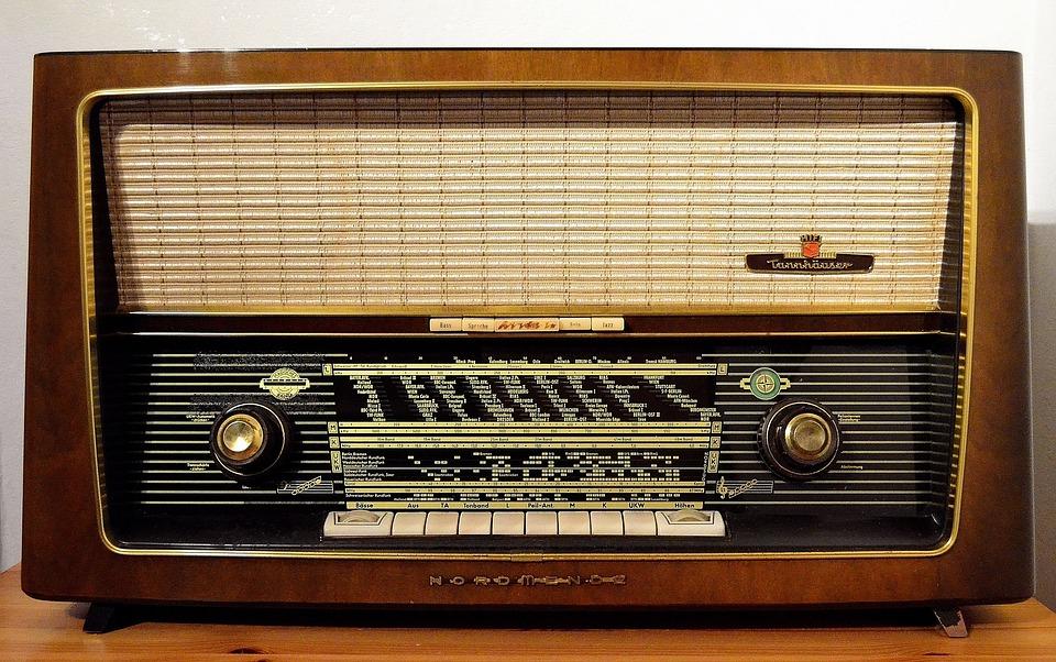 radio-1954856_960_720.jpg
