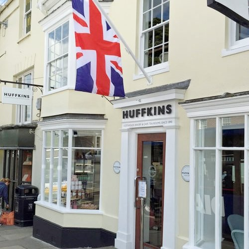 Stratford-upon-Avon Unit 1 Old Red Lion Court, Bridge St, Stratford-upon-Avon CV37 6AB 01789 415 433 stratford@huffkins.com