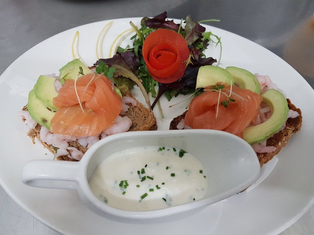 Huffkins healthy open sandwich, prawn & smoked salmon