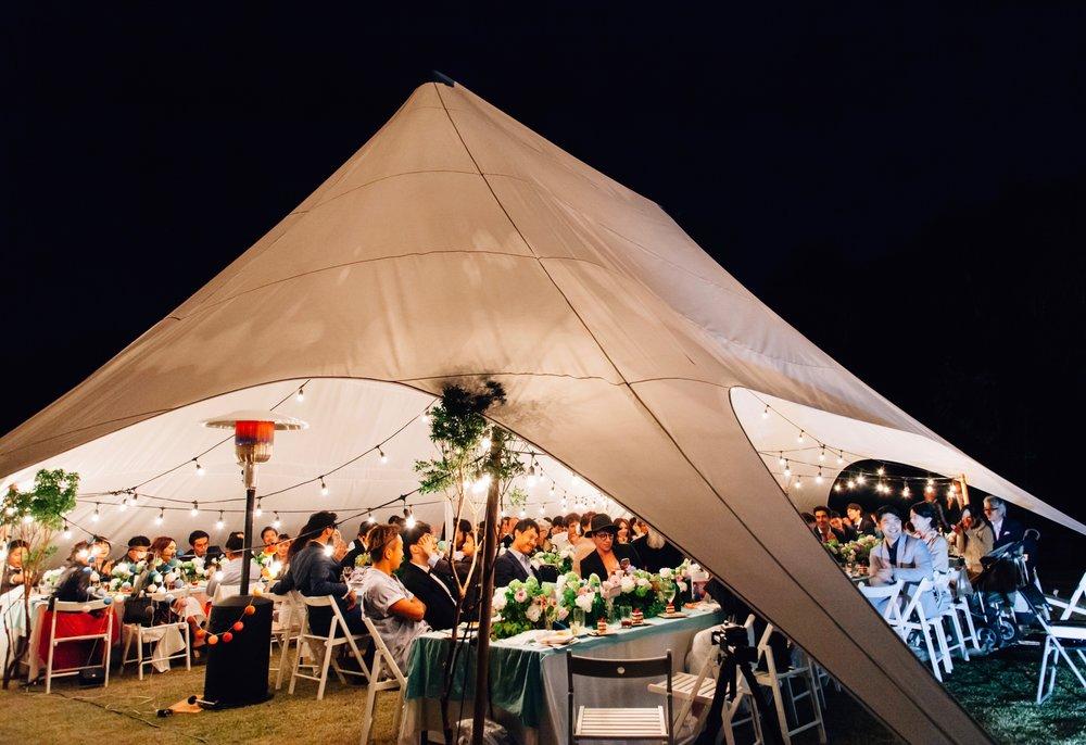 テントウエディング - 花とんぼでは複数のスターテントを保管しています。大型テントから少人数向けのテントもご用意があります!雨でも大丈夫!