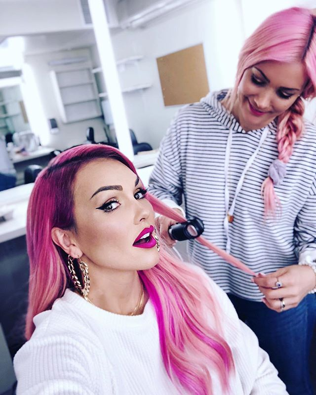 Prepping @kandeejohnson for @therealdaytime w/ @thebeachwaver #coastpro flat iron for a relaxed, smooth look! Tune in tomorrow to see her talk all things @glammasters on @lifetimetv 💓 #kandeejohnson #glammasters #pinkhairdontcare