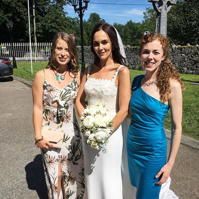 Congratulations @mary_cherry88 and ciarán on your wedding day! Had a wonderful time playing tunes in the church and celebrating with you in the beautiful Gloster House! Wishing you a lifetime of happiness together 😊🥂👰🏻🎩👗☀️