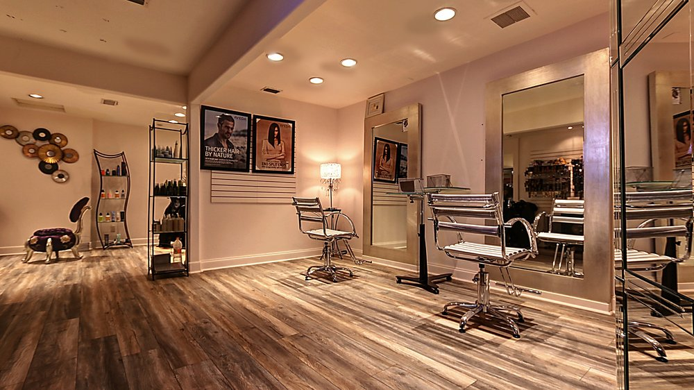— The New Salon & Spa — - Come to live the experience Renee´s, the best place in the valley