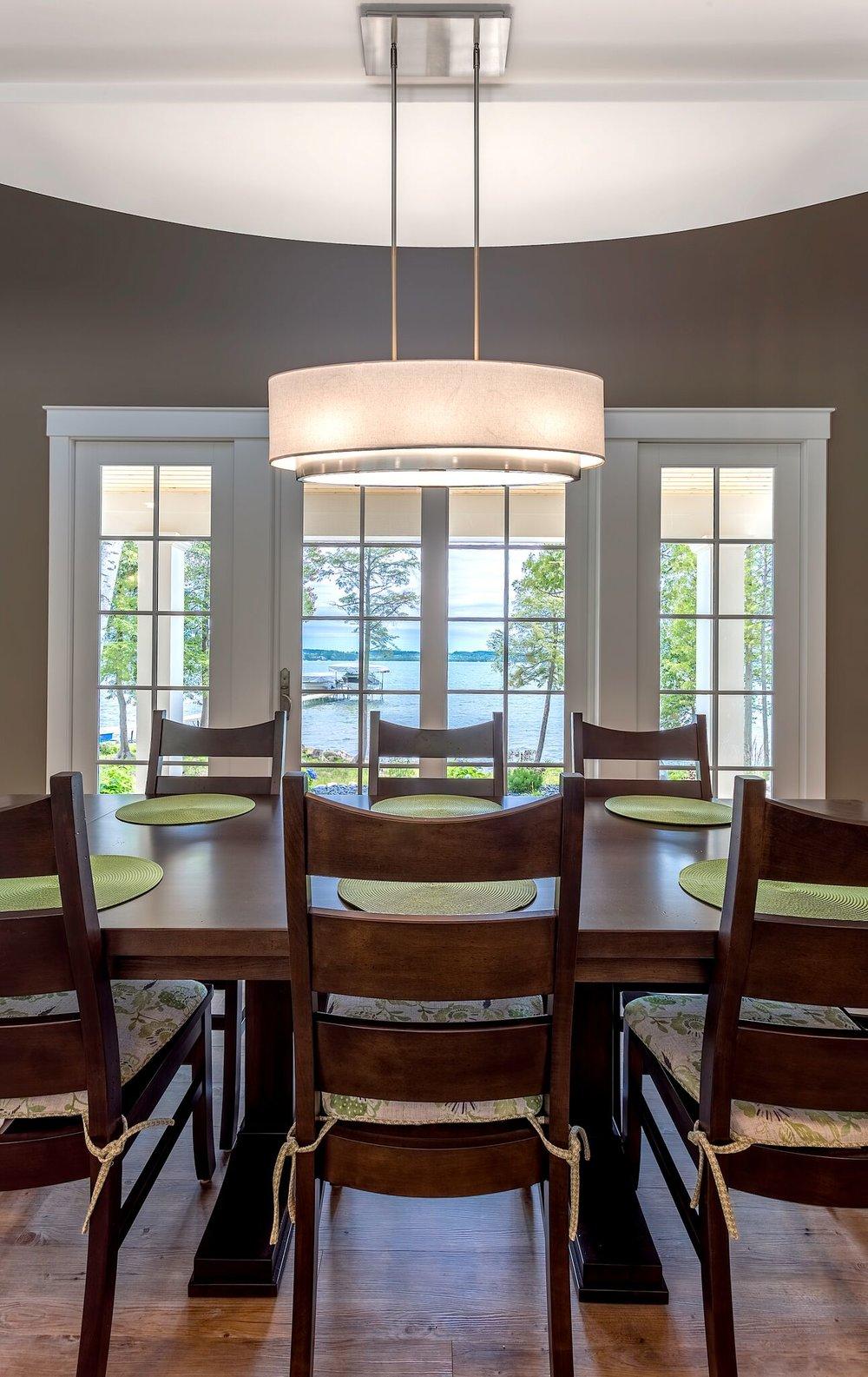 Interior.dining.jpg