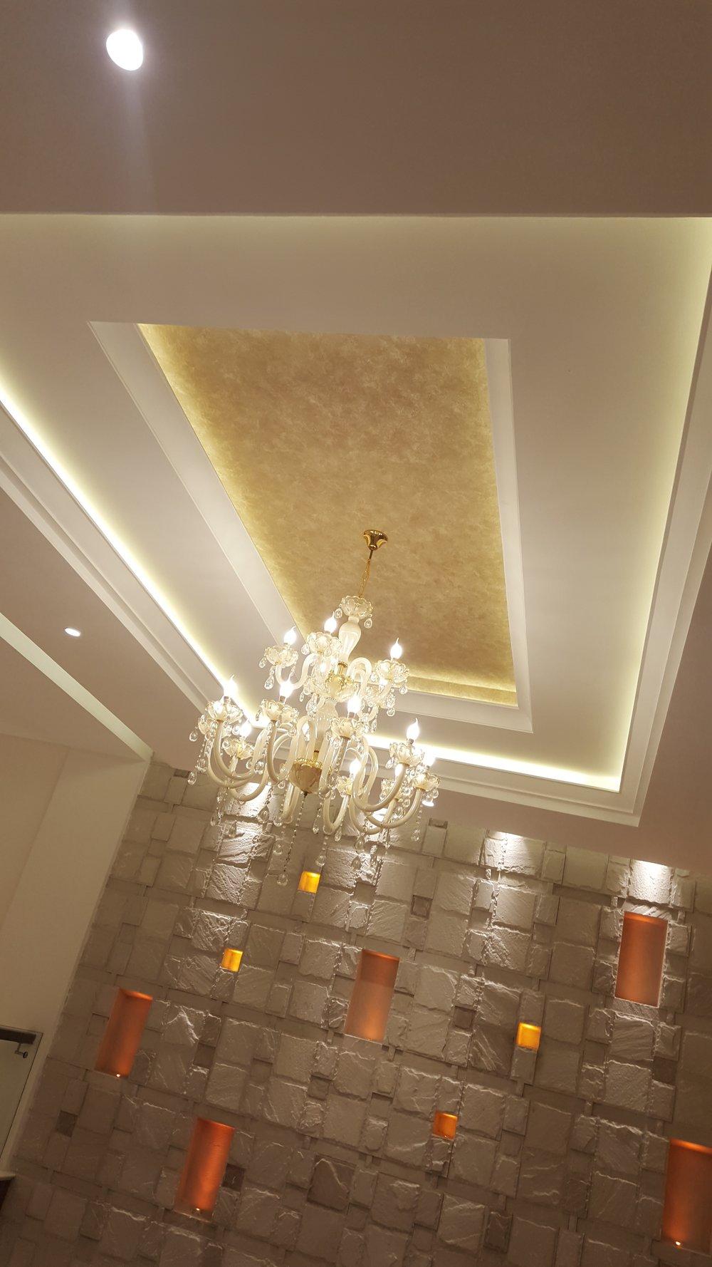 hallway ceiling.jpg
