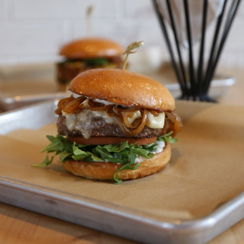 river-oaks-district-hopdoddy-burger-bar