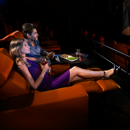 river-oaks-district-ipic-theaters