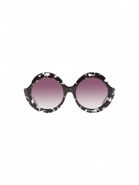 Alice and Olivia  Stacey Sunglasses  Inspired by Stacey's favorite pair of vintage sunglasses, the Stacey Stellar sunglasses are a fan favorite. With an oversized, rounded clear frame and the signature StaceFace in gold foil, these shades will make you feel like a superstar.