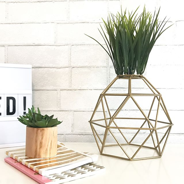 23/100 - Home Decor Idea #23: DIY PINEAPPLE SCULPTURE! 🍍🍍🍍 OMG this has to be one of my all-time DIY project I have done in my life! It was so easy and quick to do 😄 and all for under $25 👏🏼👏🏼👏🏼 . This is my first Ikea Hack 💥🙌 where I used the BRUNSTA pendant lamp and my fav FEJKA potted artificial plant to create a modern and bright pineapple sculpture for my studio! 😍🍍 . Tutorial coming soon on my youtube channel 🤓 . . #heybelina #100homedecorideas #ikeahack #ikeahackers #diyhomedecor #pineappledecor