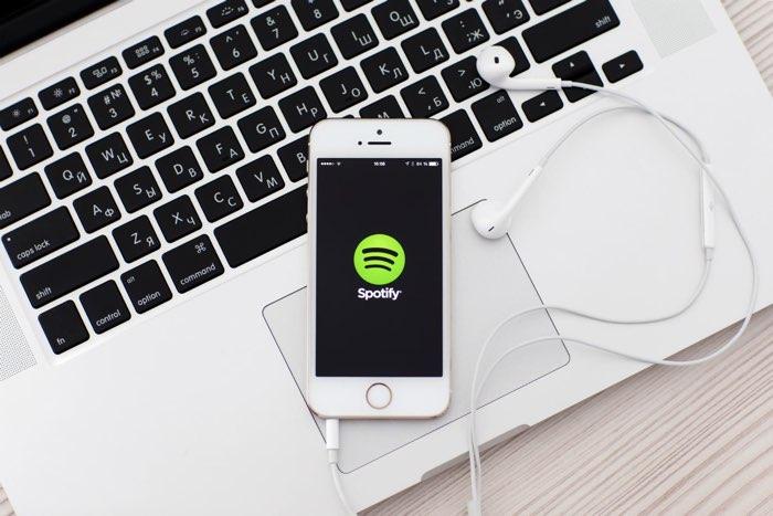 spotify-iphone-macbook.jpg