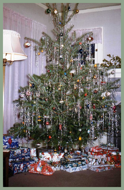 Country Christmas tree.jpg