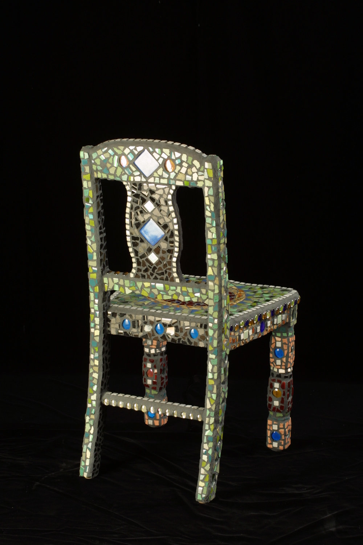 025-Elaine-Summers-Vashon-Mosaic-Art-ChairBack05.jpg