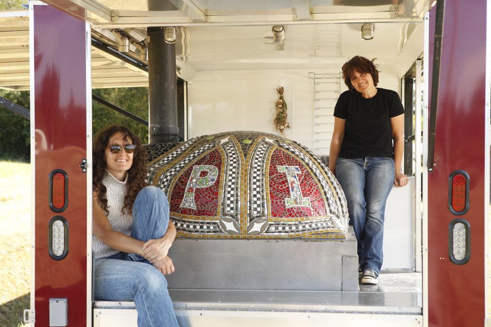 030-Elaine-Summers-Vashon-Mosaic-Art-PizzaOven-LaBiondo1.jpg