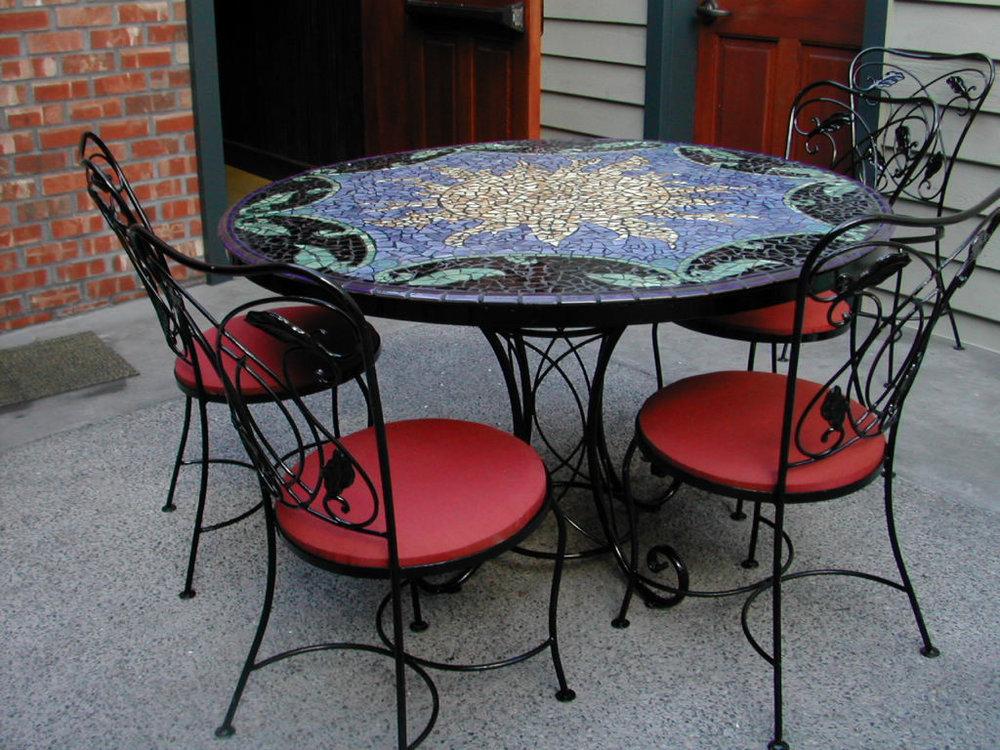 Hectors in Kirkland, Custom Table