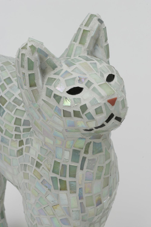 046-Elaine-Summers-Vashon-Mosaic-Art-white-cat.jpg