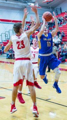 Chayten Overholt drives to the basket against Van Wert. Bob Barnes/Van Wert independent