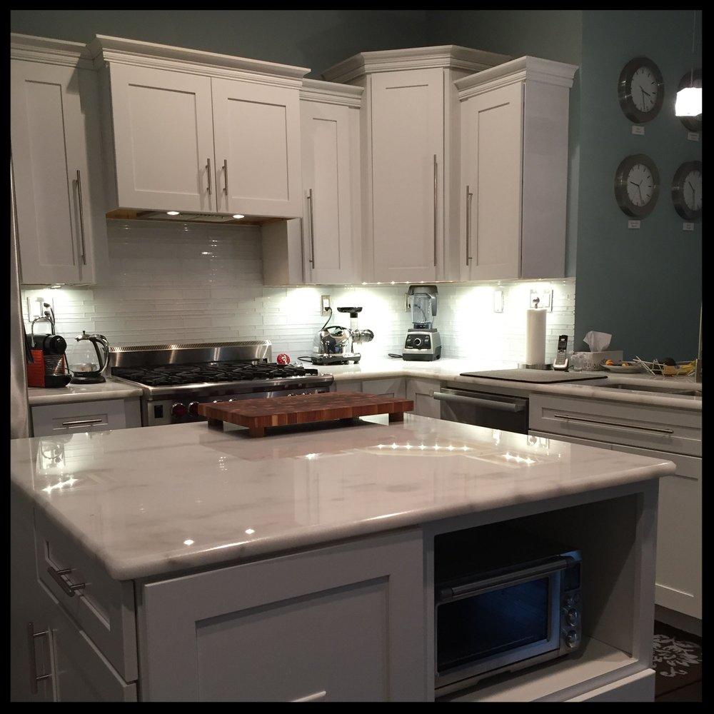 kitchen5373SQUARE.jpg
