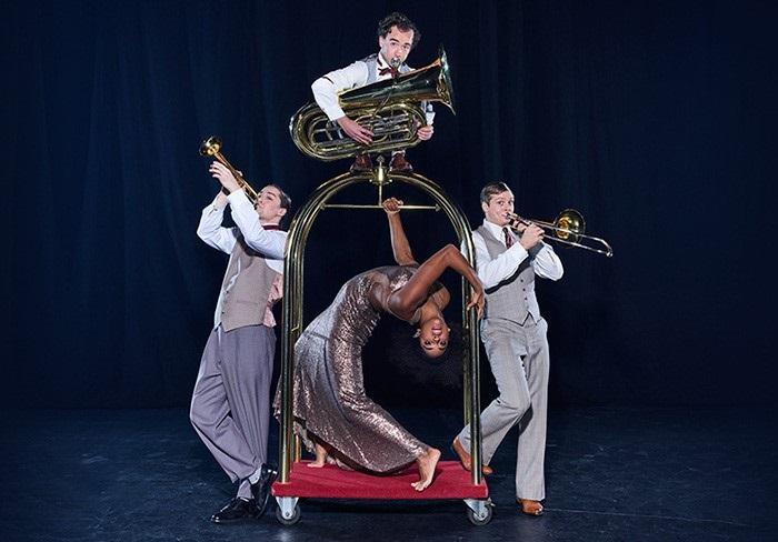 16 avril 2019HOTEL - CIRQUEÀ travers l'acrobatie, le théâtre, la danse et la musique live, laissez-vous guider dans ce refuge intime à la scénographie avant-gardiste inspirée de l'élégance des plus grands hôtels. Franchissez les portes du lobby et découvrez l'univers grandiose et poétique d'Hotel, la nouvelle création anniversaire pour les 25 ans du Cirque Éloize.