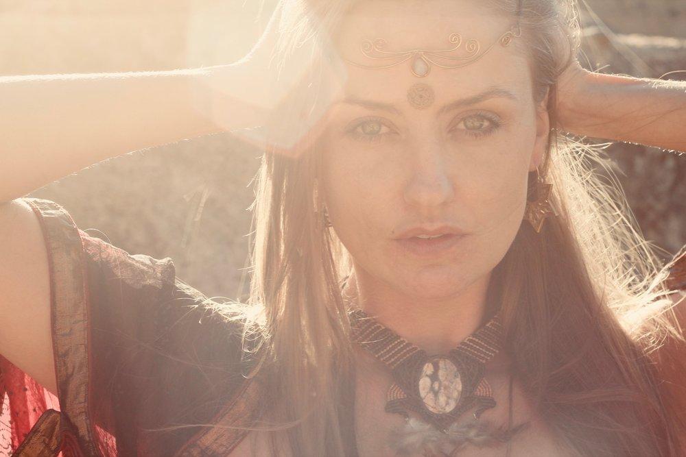 The-Meraki-Mint-Main-Page-Woman-Jewelry-Rocks.JPG