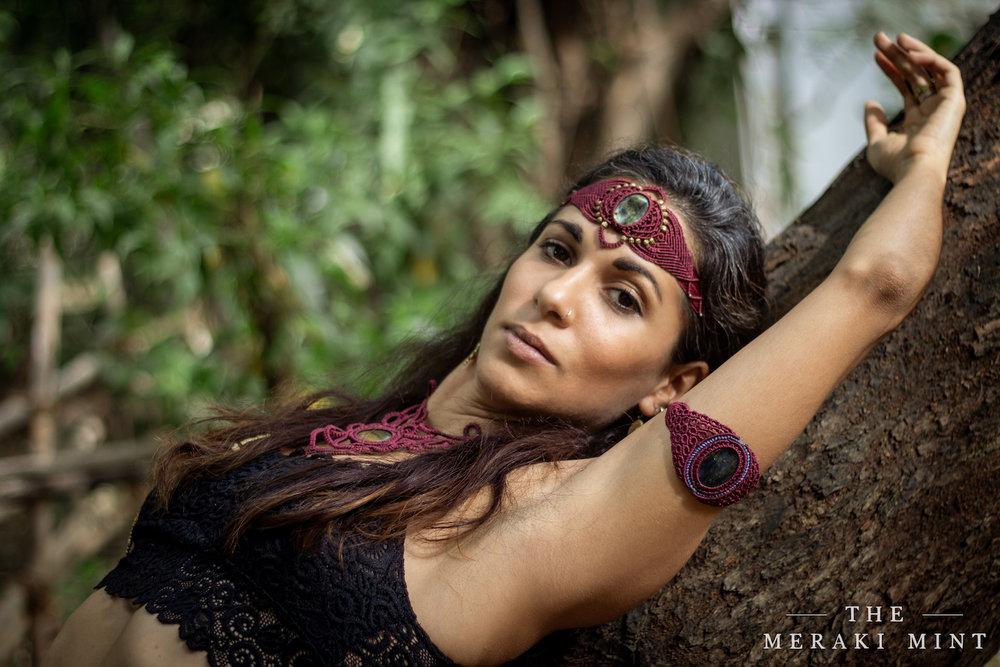 The-Meraki-Mint-Main-Page-Woman-Jewelry-Tree.jpg