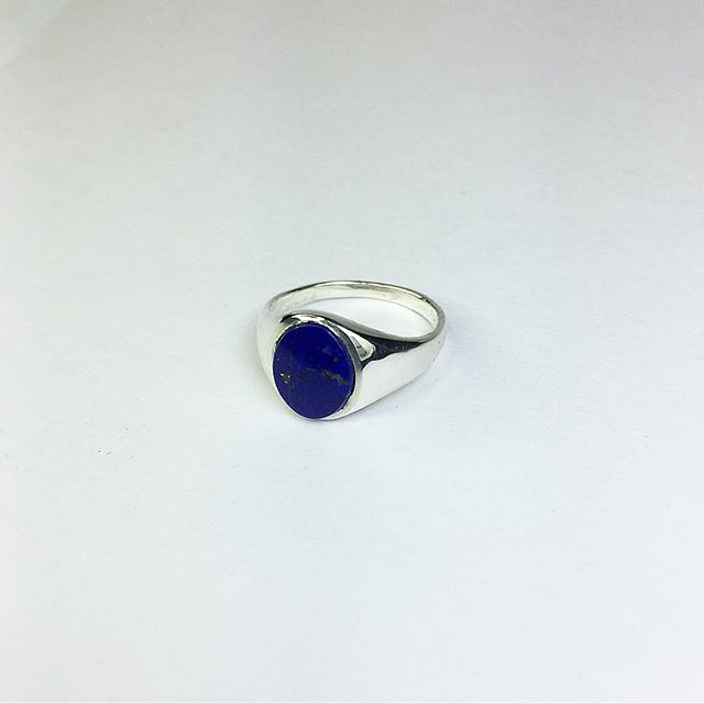 Oval Lapis Lazuli in Sterling silver 💙 📧 WORKSHOP@ELLABULL.COM for enquiries and commissions